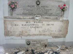 Estumulazione dalla Cappella delle Suore Riparatrici del sacro Cuore del Cimitero